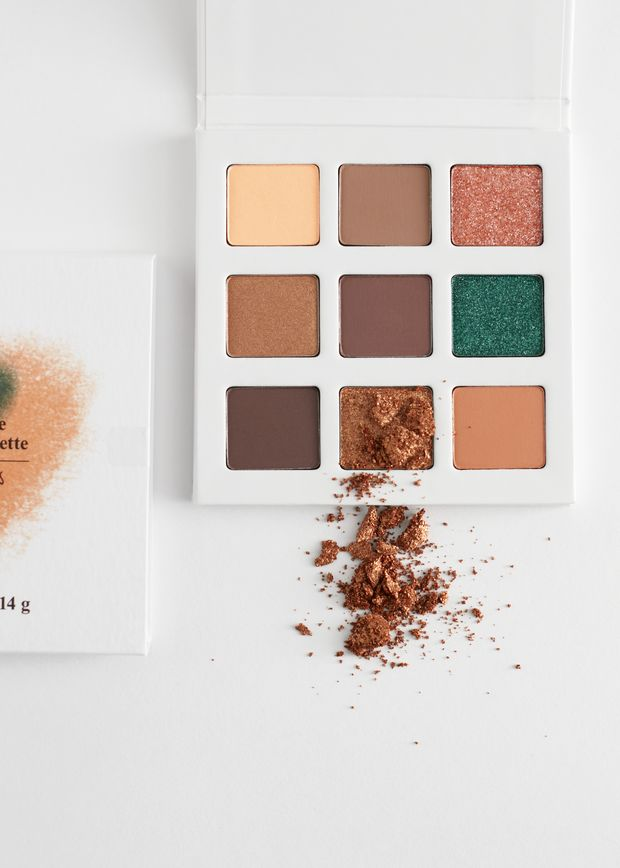 Botanic Nine Large Eyeshadow Palette