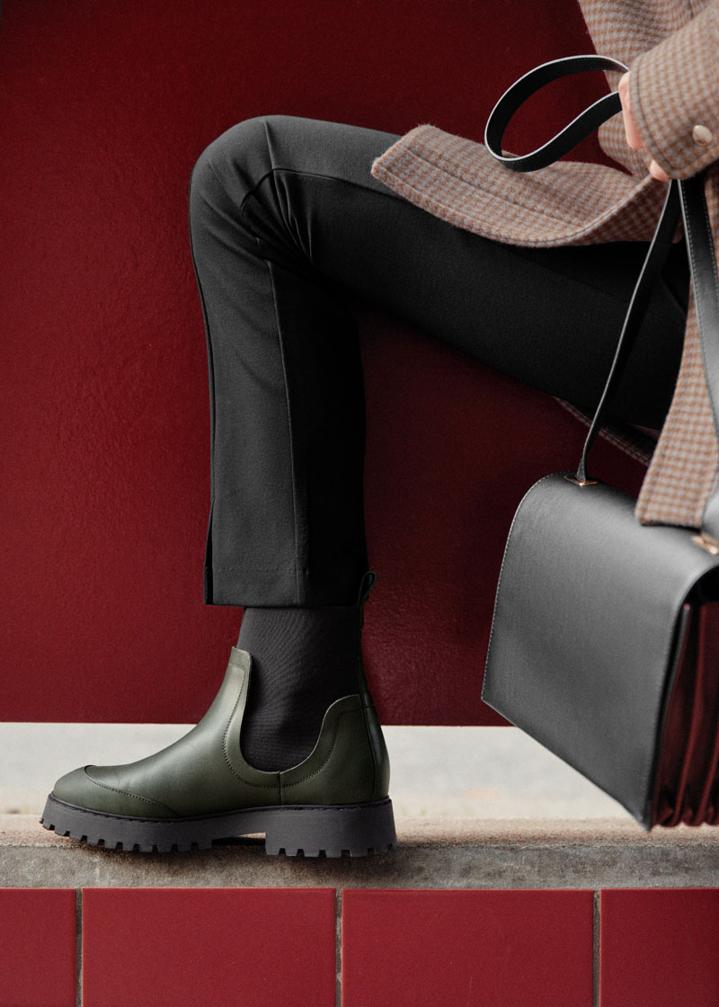 Elasticated Leather Chelsea Boots