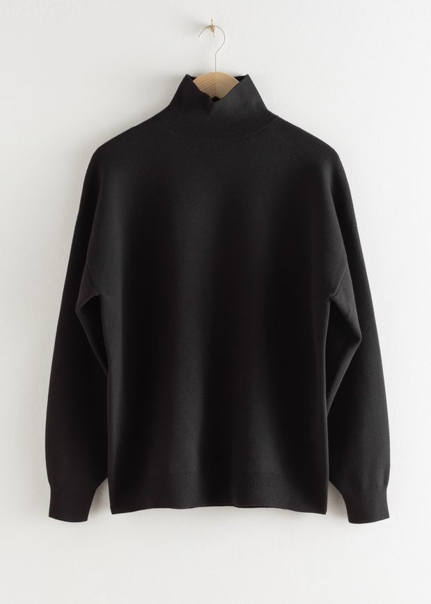 Oversized Micro Knit Turtleneck
