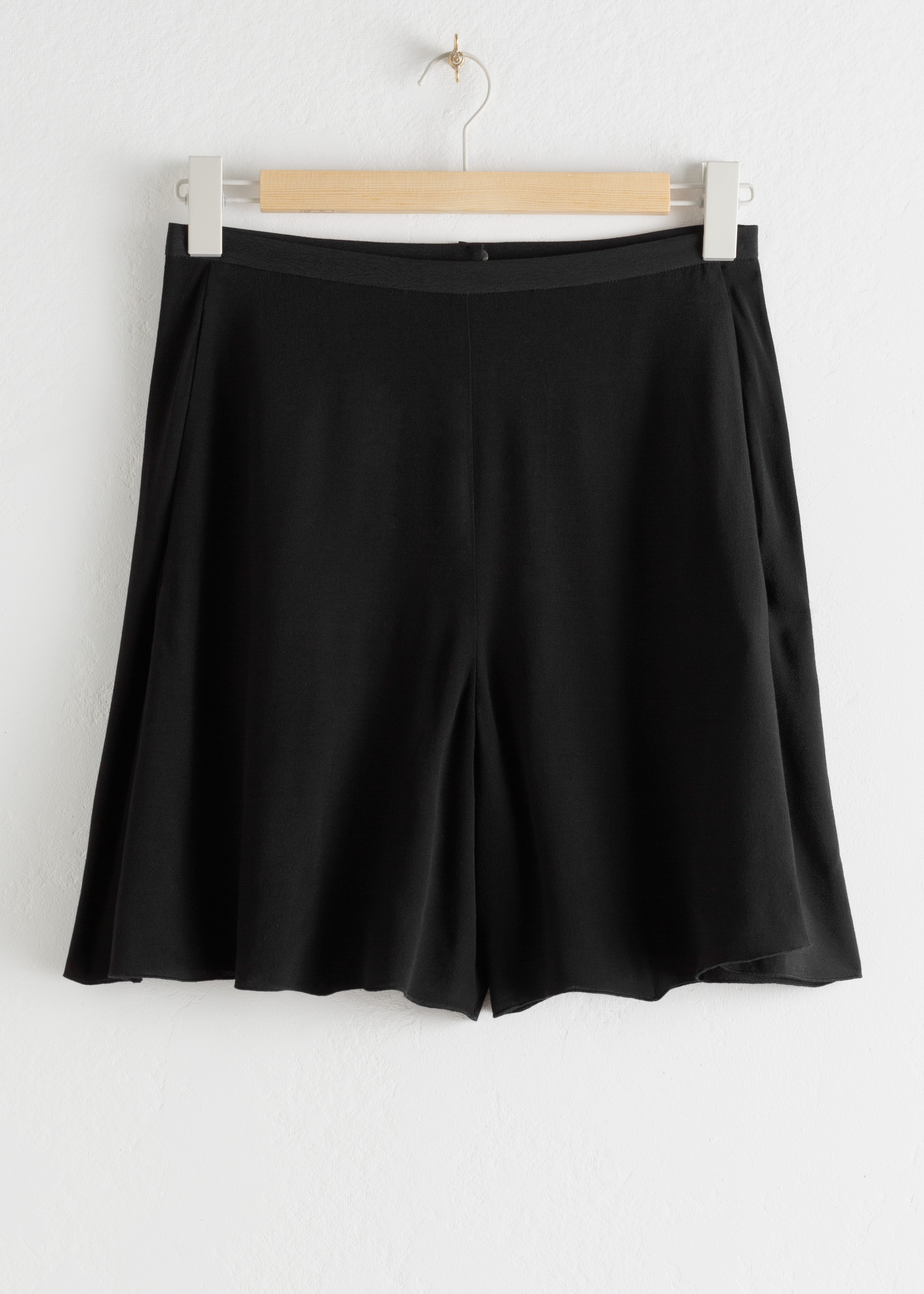 High Waisted Relaxed Crepe Shorts