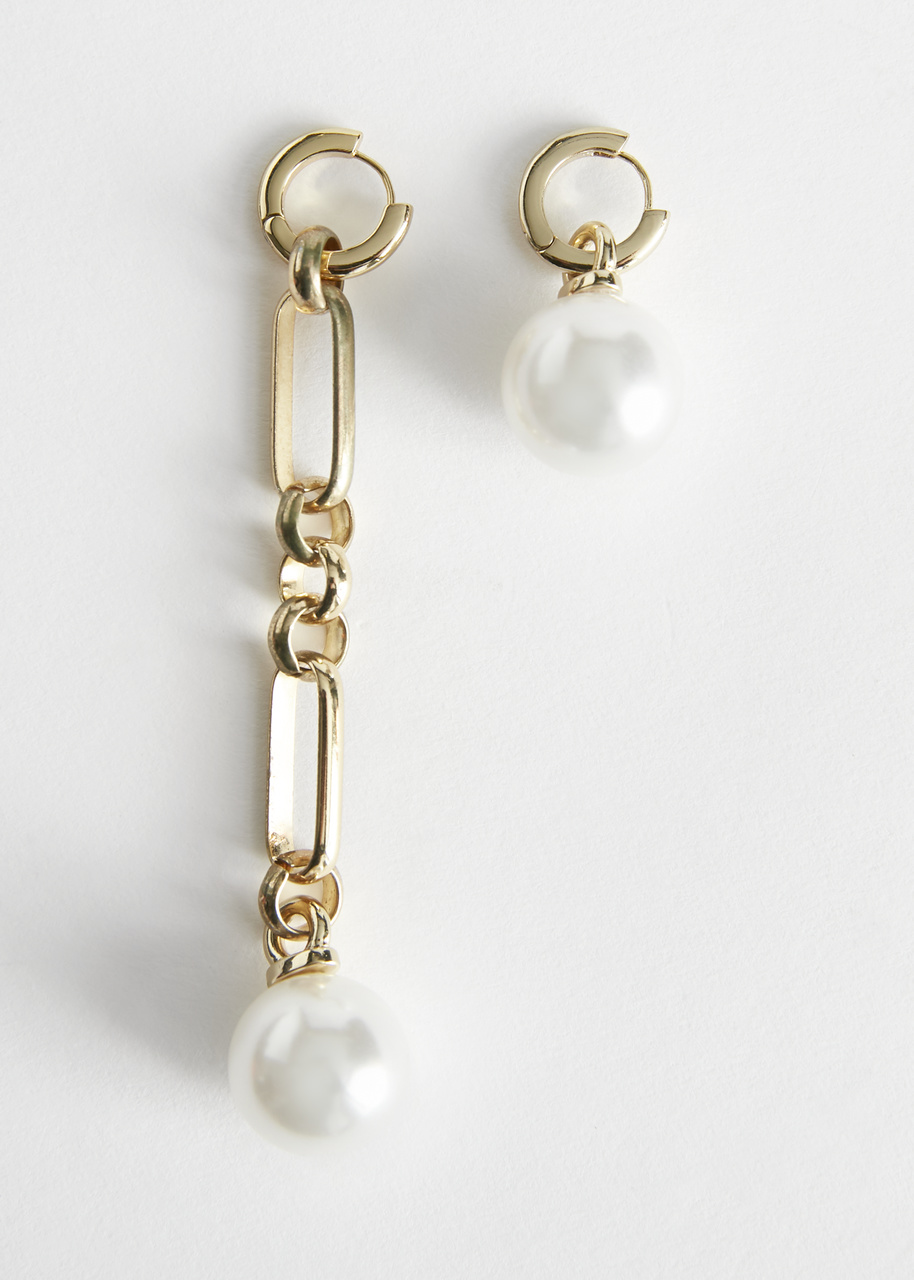 Mismatch Pearl Pendant Earrings